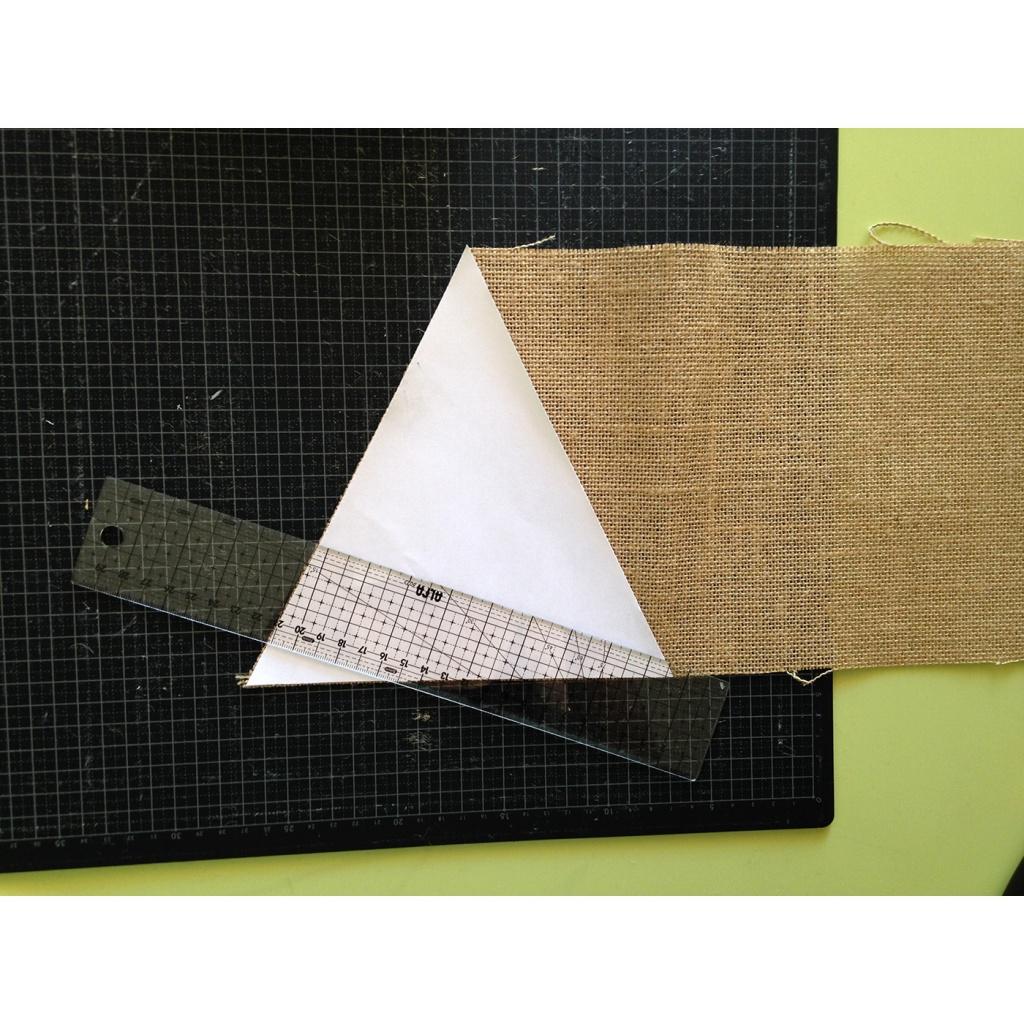 Elaboració banderins sac
